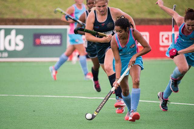 Stephanie Baxter in the Premier Hockey League